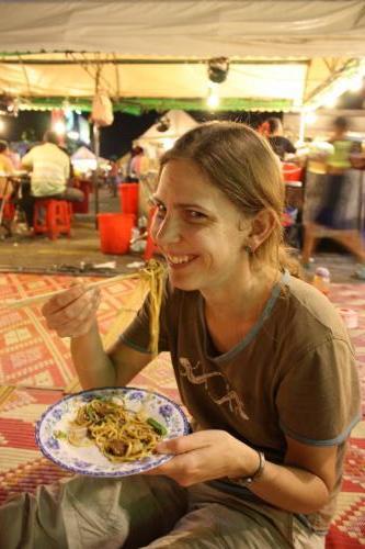 Phnompenh (hl. město Kambodže) - noční trh