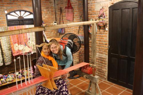 Hoi An (Vietnam) - zpracování hedvábného vlákna