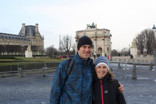 Paříž (Francie) - Malý vítězný oblouk (Arc de Triomphe du Carrousel)